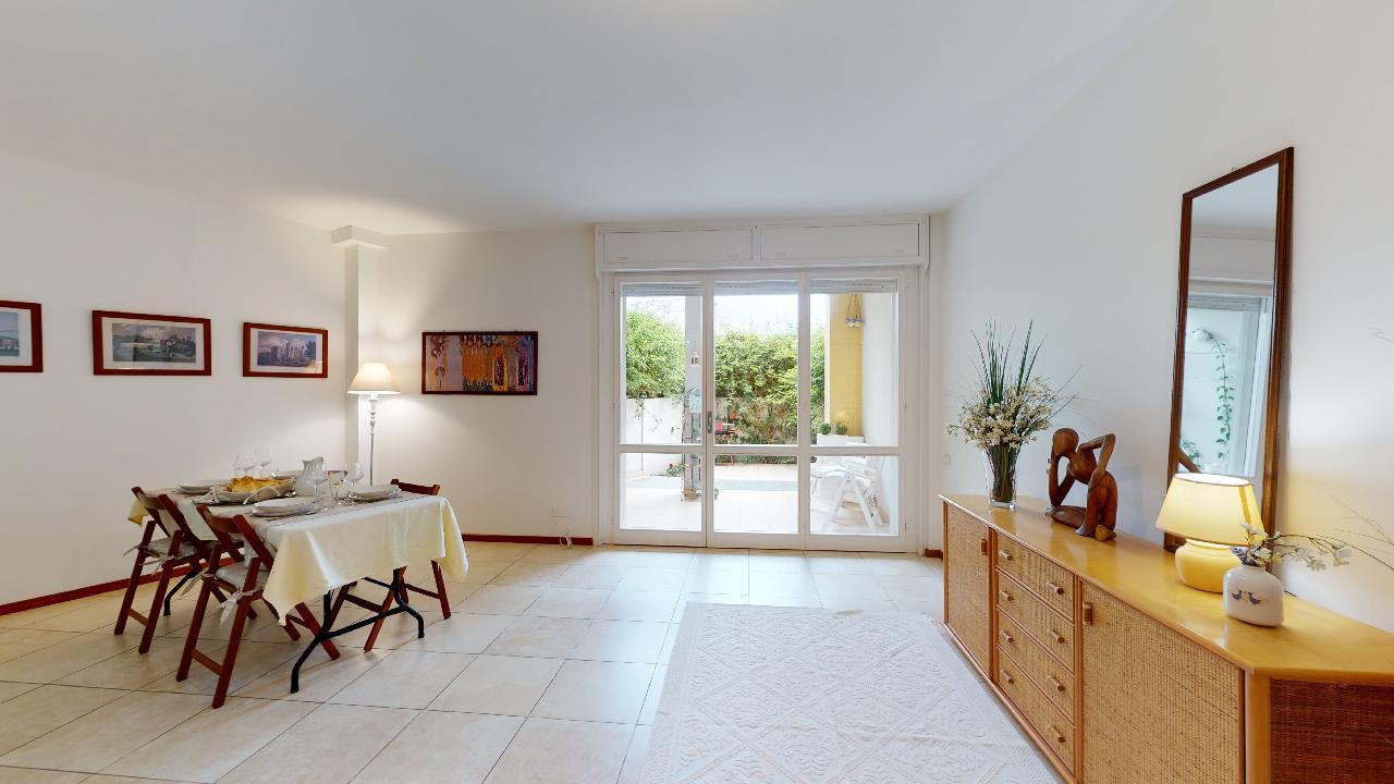 Quartello appartamento con ampio giardino privato